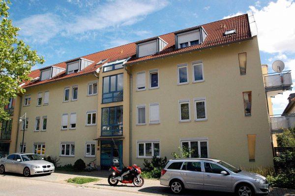 Objekt 6 Familienhaus in Nagold Aussenansicht Front RW RealWerte